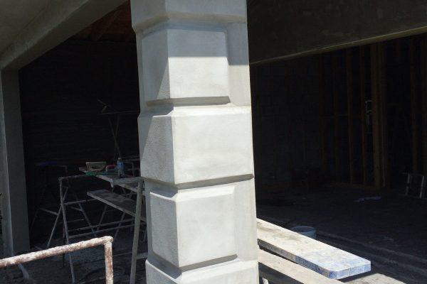 moulding column